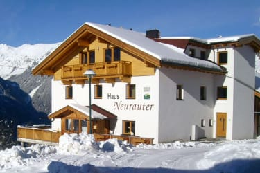 Haus Neurauter im Winter