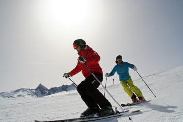 Sonnen und Skifahren