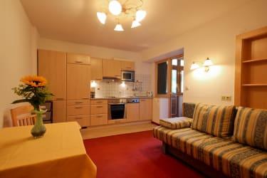 Appartement Blütenzauber 1 Wohnküche