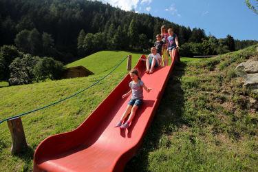 Abenteuerspielplatz für Kinder - RUTSCHE