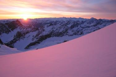 Für alle Tourengeher: Sonnenaufgang auf 3000m