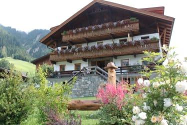 Der Hoisnhof mit Garten