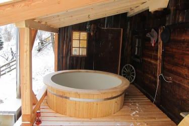 Gullenhütte Badetonne für  8 Personen
