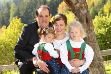 Josef und Katharina mit Sofia und Stefanie