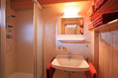 Badezimmer Dorfblick