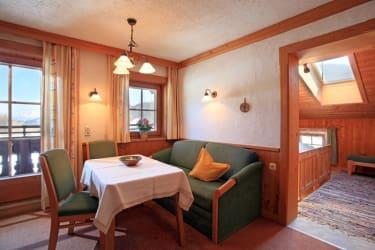 Wohnzimmer Fewo Dorfblick