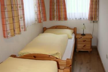 Buchensteinwand Kinderzimmer