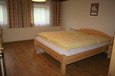 Buchensteinwand Schlafzimmer