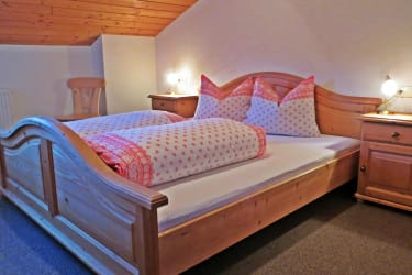 Schlafzimmer 1 / Salvenblick