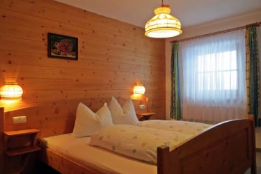 Schlafzimmer 1 / Almblick