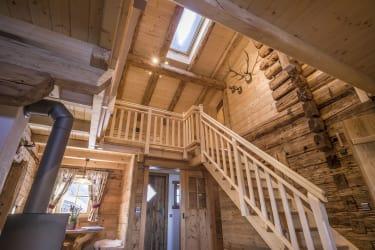 Wohnraum mit Galerie und Sichtdachstuhl