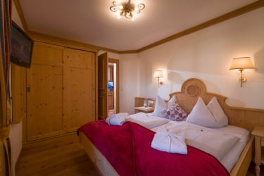 Schlafzimmer Suite Kalkstein