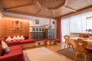 Wohnzimmer Kaisersuite - Tiroler Bauernstube