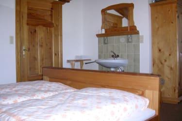 Zimmer Wohnung klein
