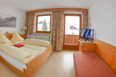 Zimmer Wohnung Kirchturm