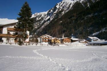 Haus Karlspitze im Winter