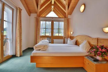 Ferienwohnung Edelweiß - Schlafzimmer nach Südwesten