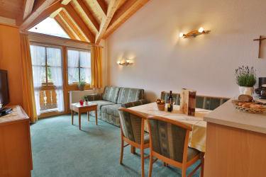 Ferienwohnung Edelweiß - Wohn-Esszimmer mit Küche
