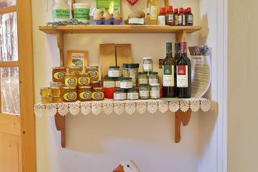 Das Verkaufsregal mit gesunden und köstlichen Produkten