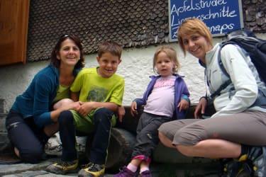 Helene, Nikolai, Elena und Angi auf dem Hohenzollernhaus