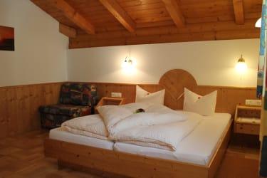 Schlafzimmer Tusna 2