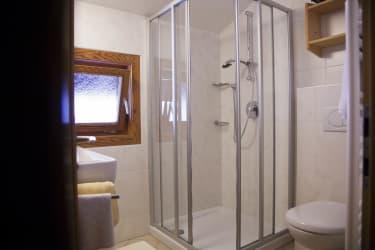 Dorflinde Badezimmer_2