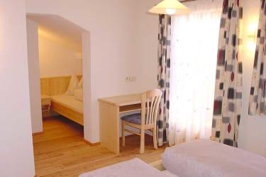 Dreibettzimmer, Fewo Dorfblick
