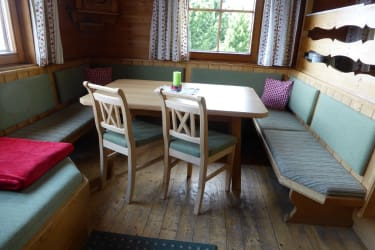 gemütliche Wohnküche mit Diwan für den Mittagsschlaf