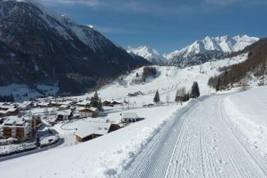 Sonniger Winterwanderweg