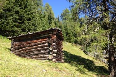Rustikales Holzlager