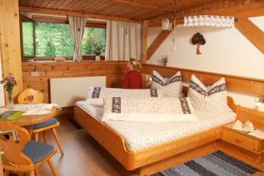 Ferienwohnung »Schwalbennest« Schlafzimmer 1