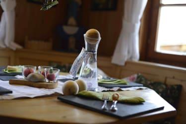 Gedeckter Tisch; vra, Michael Jenewein