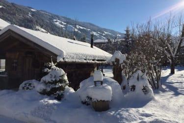 Schnapshütte im Winter