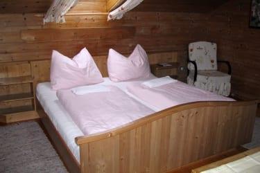 Ferienwohnung Nussbaum Schlafzimmer