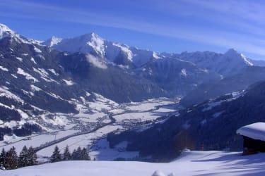 Panorama Blick vom Breierhof ins Zillertal