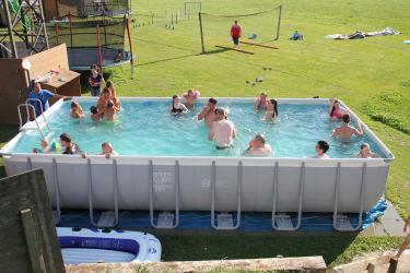 wir wünschen Ihnen eine schöne Abkühlung in unserem Pool