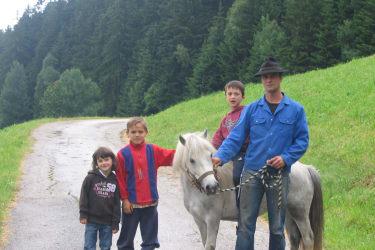 Pony Sissi am Riedelweg