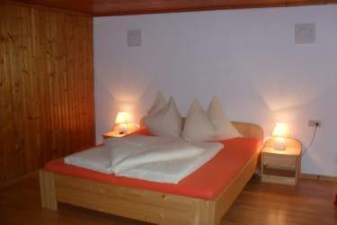 Neue Holz Möbel für unsere Gäste