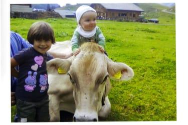 Felix und Chiara auf unserer Alpe