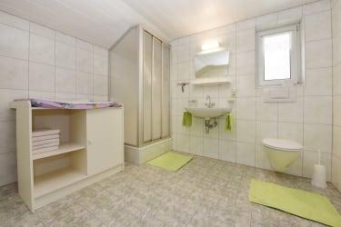 Badezimmer 1 Fewo Enzian