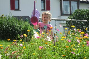 Garten, Spiel- und Liegewiese