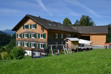 Ferienhof Dürlinde im Sommer