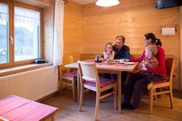 Wohnküche in der Ferienwohnung Bergahorn