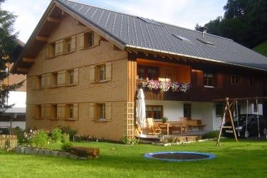 Unser Haus mit Trampolin