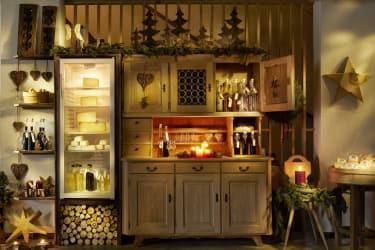 kleiner Hofladen für unsere Gäste mit eigenem Alpkäse,...