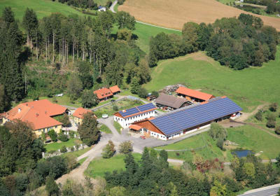 Unser Demeterhof in Kraindorf aus der Vogelperspektive