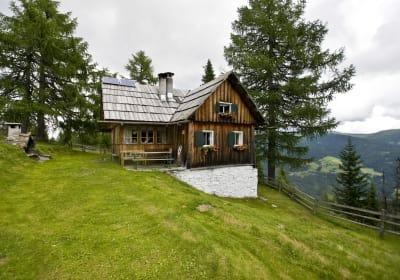 Bacherhütte mit Ausblick
