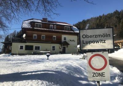 "Gasthof Lug ins Land Biobauernhof ""Oberzmölnig"""