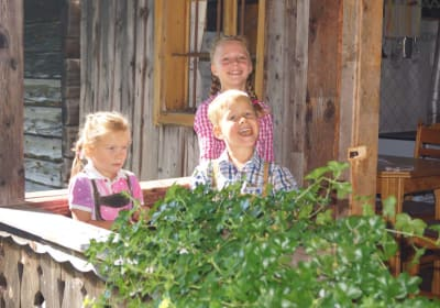 Tröbacheralm Hütte mit Kinder