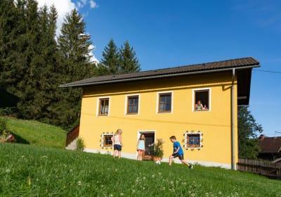 """Brunner - Ferienhaus """"Hühnerhotel"""""""